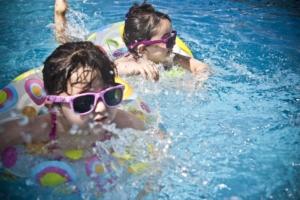 Reserveer je zwemfeestje